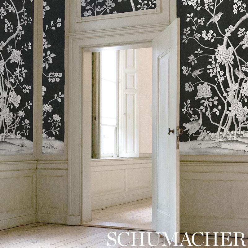 Chinois Palais in 'Noir' from Schumacher Wallpaper