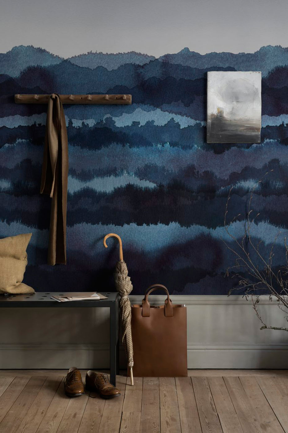 Midnatt in 'Dark Blue' from Sandberg Wallpaper